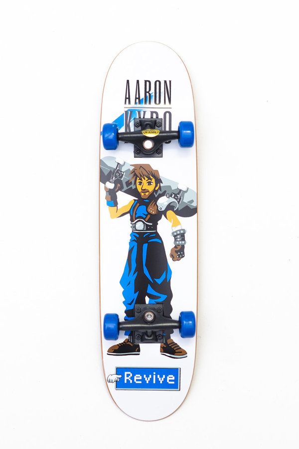 REVIVE AARON KYRO WARRIOR HANDBOARD